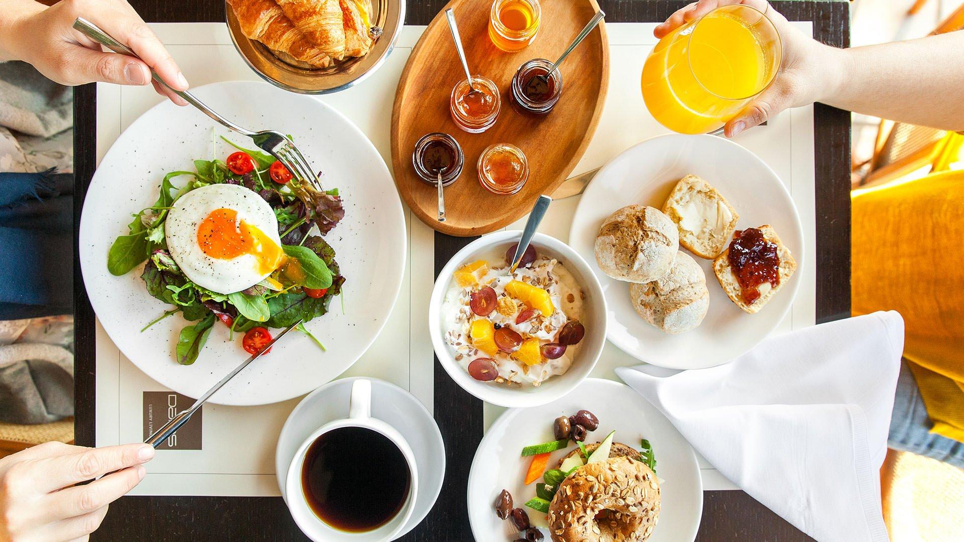 dll breakfast  lowres